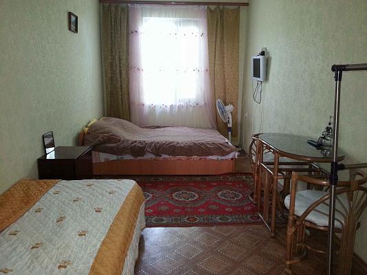 2-комнатная квартира посуточно в Крыжановке. ул. Солнечная, 46. Фото 1