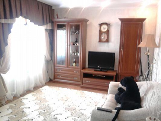 2-комнатная квартира посуточно в Феодосии. ул. Русская, 36. Фото 1