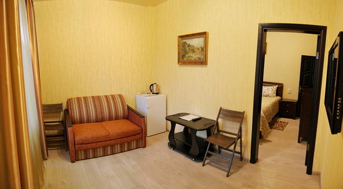 2-комнатная квартира посуточно в Хмельнике. ул. Курортная, 10В, корпус №3. Фото 1