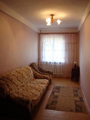 2-комнатная квартира посуточно в Севастополе. Гагаринский район, пр-т Гагарина, 14А. Фото 1