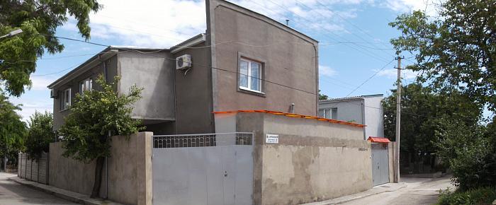 Дом  посуточно в Евпатории. коробкова, 66. Фото 1