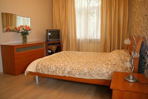 1-комнатная квартира посуточно в Тернополе. ул. Мира, 1в. Фото 1