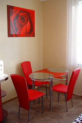 2-комнатная квартира посуточно в Харькове. пр-т Тракторостроителей, 94В. Фото 1