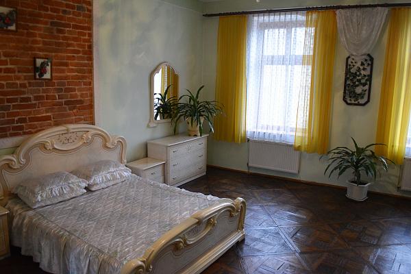 2-комнатная квартира посуточно в Львове. ул. Галицкая, 20. Фото 1