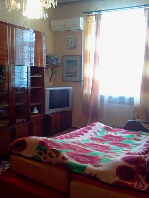 2-комнатная квартира посуточно в Бердянске. ульяновых, 18. Фото 1