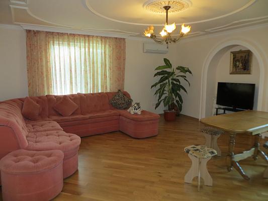3-комнатная квартира посуточно в Партените. ул. Солнечная, 14. Фото 1