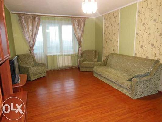 2-комнатная квартира посуточно в Броварах. ул. Декабристов, 46. Фото 1