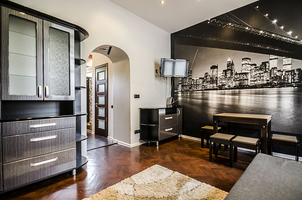 2-комнатная квартира посуточно в Львове. Галицкий район, ул. Ужгородская, 8. Фото 1