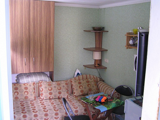 1-комнатная квартира посуточно в Ялте. Центр Ялты район, ул. Руданского, 9. Фото 1