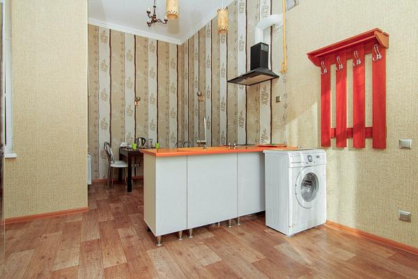 1-комнатная квартира посуточно в Одессе. Приморский район, ул. Екатерининенская, 8. Фото 1