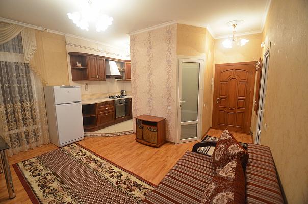 2-комнатная квартира посуточно в Николаеве. Центральный район, ул. Шнеерсона, 2Б. Фото 1
