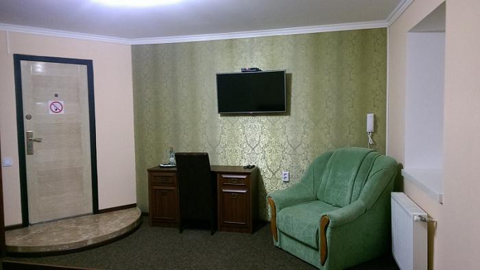 Комната  посуточно в Черновцах. Шевченковский район, ул. Бережанская, 3. Фото 1