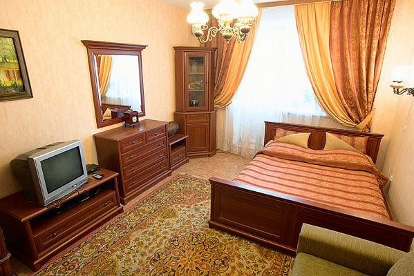 1-комнатная квартира посуточно в Киеве. Днепровский район, ул. Луначарского, 14. Фото 1