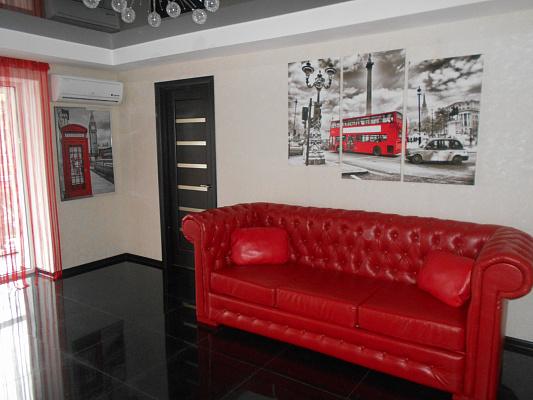 2-комнатная квартира посуточно в Запорожье. Орджоникидзевский район, пр-т Соборный (Ленина), 133. Фото 1