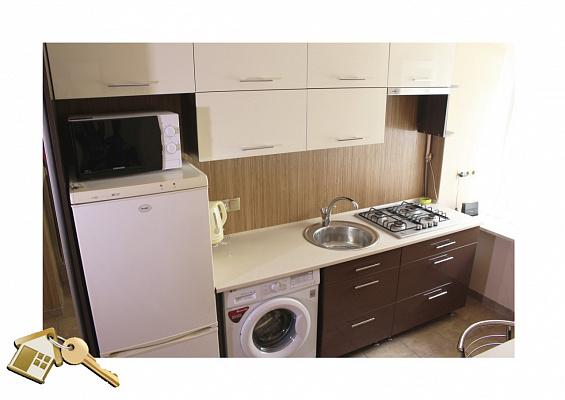 2-комнатная квартира посуточно в Львове. Франковский район, ул. Городоцкая, 173. Фото 1