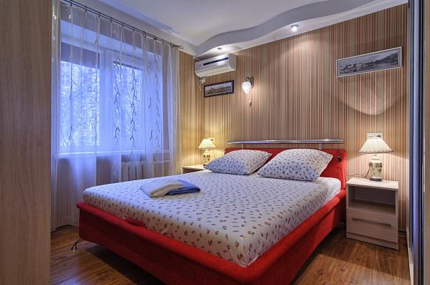 3-комнатная квартира посуточно в Киеве. Днепровский район, ул. Плеханова, 6. Фото 1