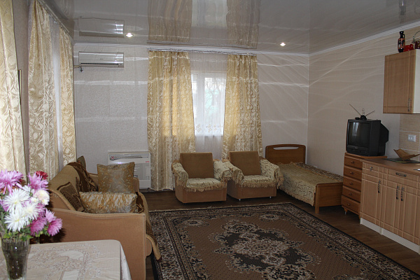 1-комнатная квартира посуточно в Керчи. ул. Клары Цеткин, 34. Фото 1