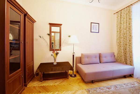 1-комнатная квартира посуточно в Львове. Галицкий район, ул. Пильникарская, 6. Фото 1