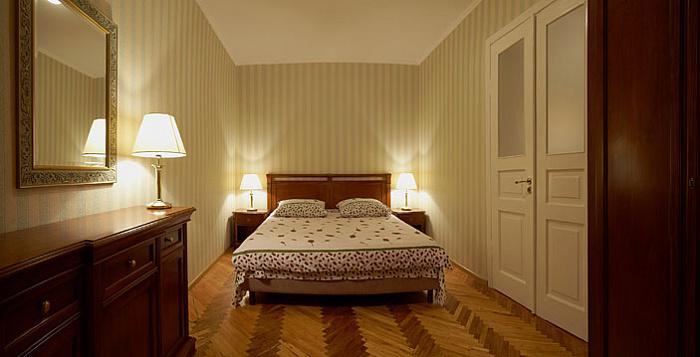 2-комнатная квартира посуточно в Львове. Галицкий район, ул. Драгоманова, 26. Фото 1