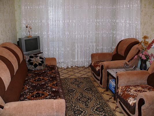 1-комнатная квартира посуточно в Херсоне. Корабельный район, ул. Комкова, 92а. Фото 1