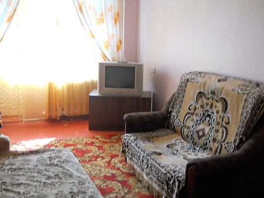 1-комнатная квартира посуточно в Мариуполе. пр-т Металлургов. Фото 1