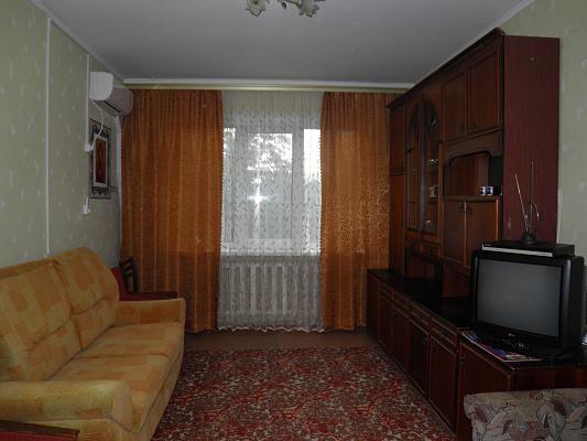 2-комнатная квартира посуточно в Скадовске. ул. Мангубинская (Пролетарская), 24. Фото 1