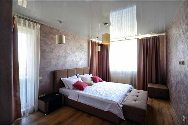 2-комнатная квартира посуточно в Киеве. Оболонский район, ул. Малиновского, 8а. Фото 1