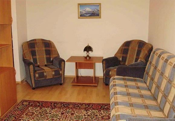 1-комнатная квартира посуточно в Керчи. ул. Марата, 2. Фото 1