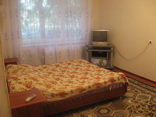 1-комнатная квартира посуточно в Белой Церкви. ул. Восточная, 28. Фото 1
