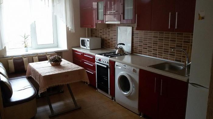 3-комнатная квартира посуточно в Виннице. Замостянский район, ул. Верхарна, 70. Фото 1