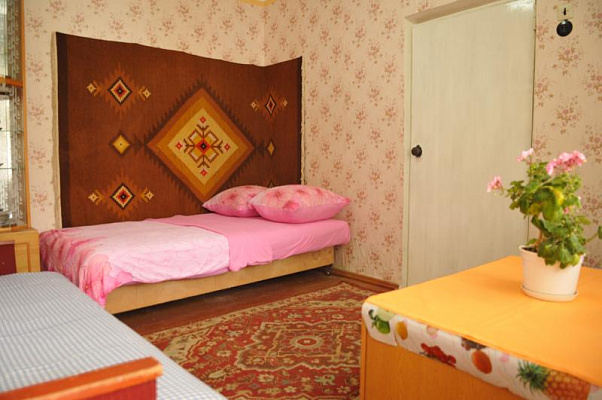 Дом  посуточно в Евпатории. ул. Леси Украинки, 23. Фото 1