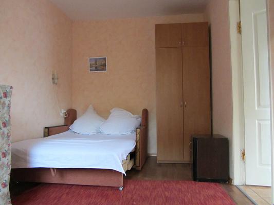 1-комнатная квартира посуточно в Одессе. Приморский район, пер. Клубничный. Фото 1