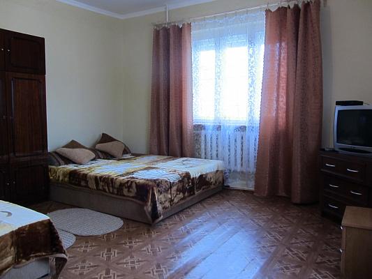 Дом  посуточно в Берегово. ул. Суворова, 18. Фото 1