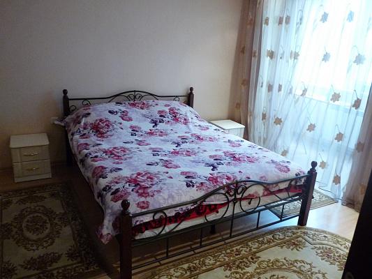 3-комнатная квартира посуточно в Хмельнике. ул. 1-го Мая, 17. Фото 1
