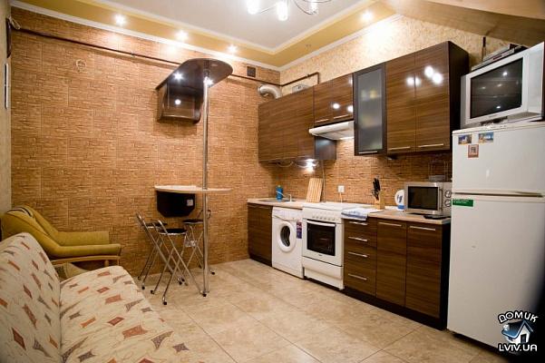 2-комнатная квартира посуточно в Львове. Галицкий район, ул.Котлярская, 5. Фото 1