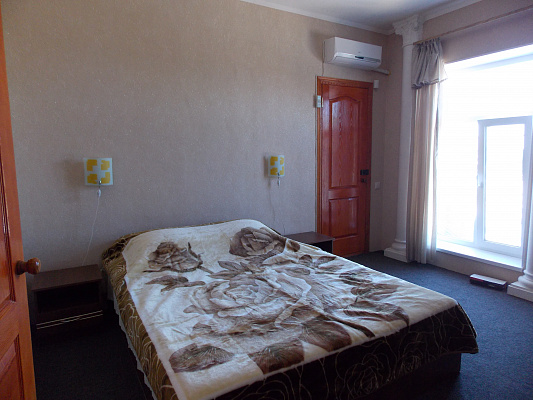 Мини-отель  посуточно в Кирилловке. ул. Зеленая, 15а. Фото 1