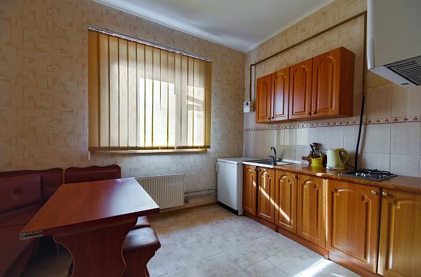 1-комнатная квартира посуточно в Сумах. Ковпаковский район, ул. Лепеховская, 4. Фото 1