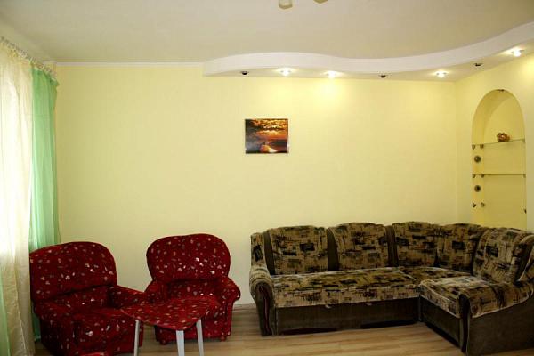 3-комнатная квартира посуточно в Харькове. ул. Сумская, 73. Фото 1