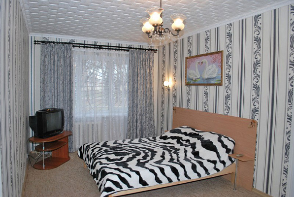 1-комнатная квартира посуточно в Измаиле. пр-т Суворова, 87. Фото 1
