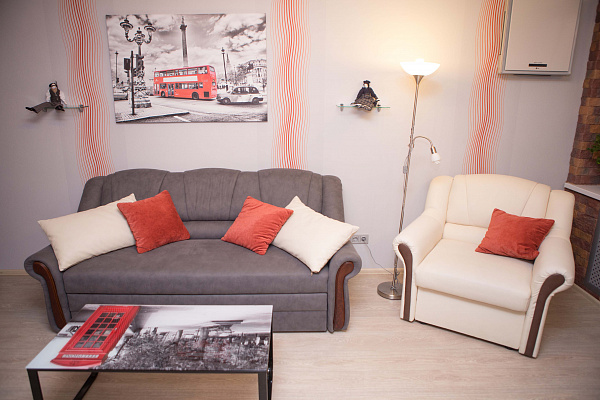 2-комнатная квартира посуточно в Чернигове. Деснянский район, ул. Родимцева, 5. Фото 1