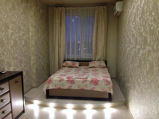 3-комнатная квартира посуточно в Донецке. Калининский район, пр-т Ильича, 17в. Фото 1