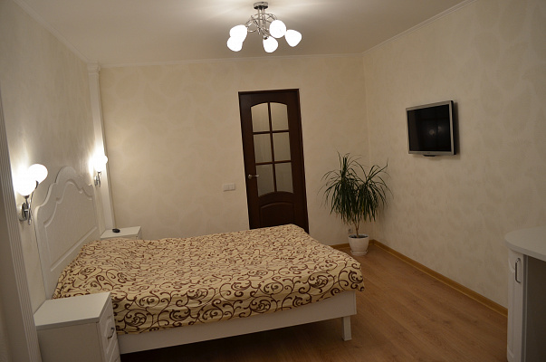 2-комнатная квартира посуточно в Феодосии. бул. Старшинова, 25. Фото 1