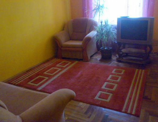 2-комнатная квартира посуточно в Берегово. ул. Мужайская, 34б. Фото 1