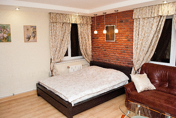 1-комнатная квартира посуточно в Киеве. Подольский район, Еленовская, 8. Фото 1
