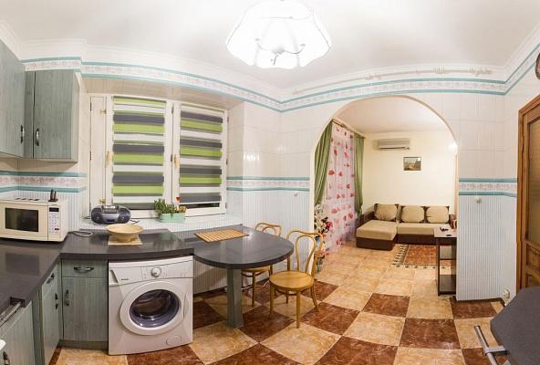 1-комнатная квартира посуточно в Киеве. Шевченковский район, ул. Павловская, 4-8. Фото 1