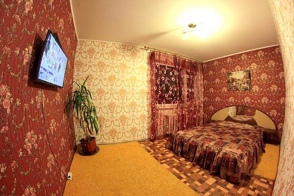 3-комнатная квартира посуточно в Кировограде. Ленинский район, ул. Яновского, 59. Фото 1