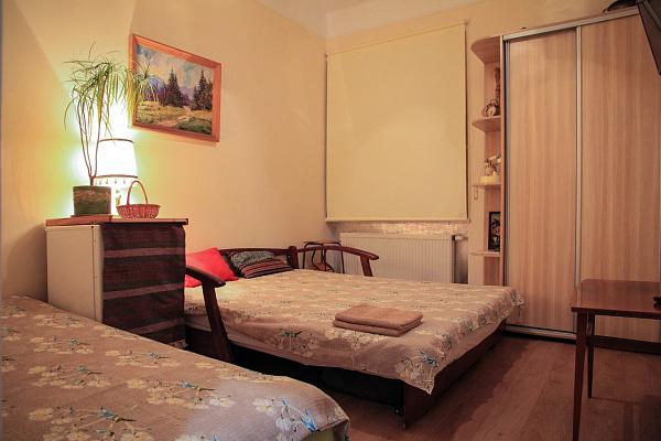 1-комнатная квартира посуточно в Львове. Франковский район, ул. Котляревского, 14а. Фото 1
