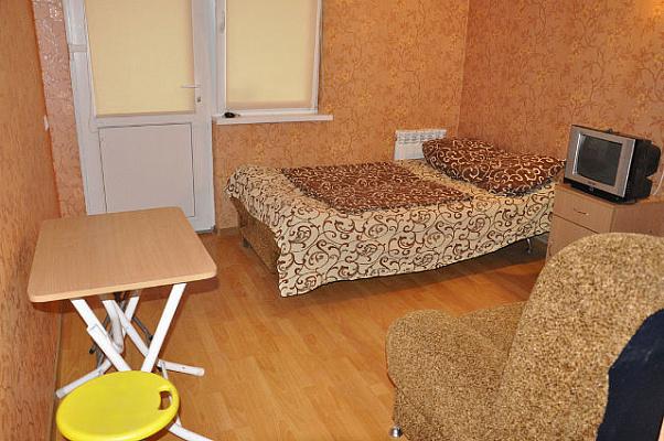 Мини-отель  посуточно в Алуште. ул. Багликова, 14 а. Фото 1