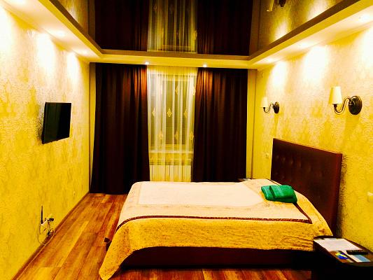 2-комнатная квартира посуточно в Черкассах. ул. Сергея Амброса, 72. Фото 1