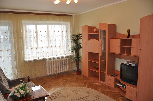 1-комнатная квартира посуточно в Киеве. Печерский район, ул.Бассейная, 19. Фото 1